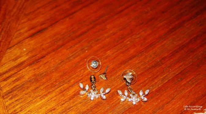 Floral Dangling Ear Jacket 1