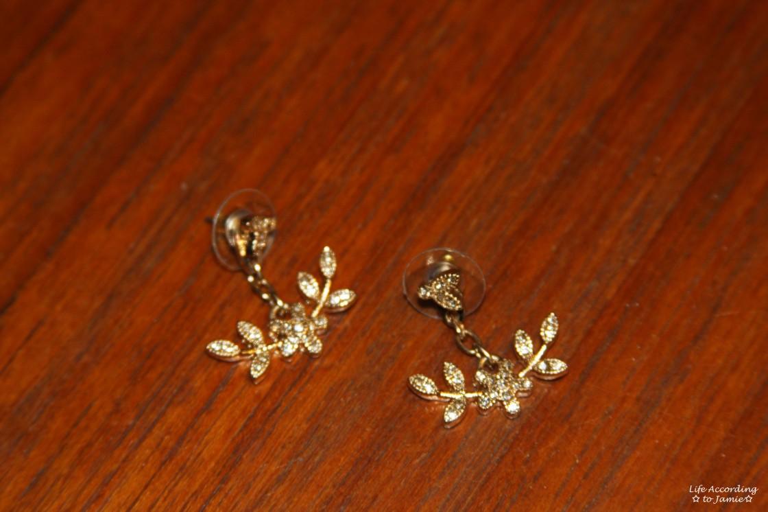 Floral Dangling Ear Jacket