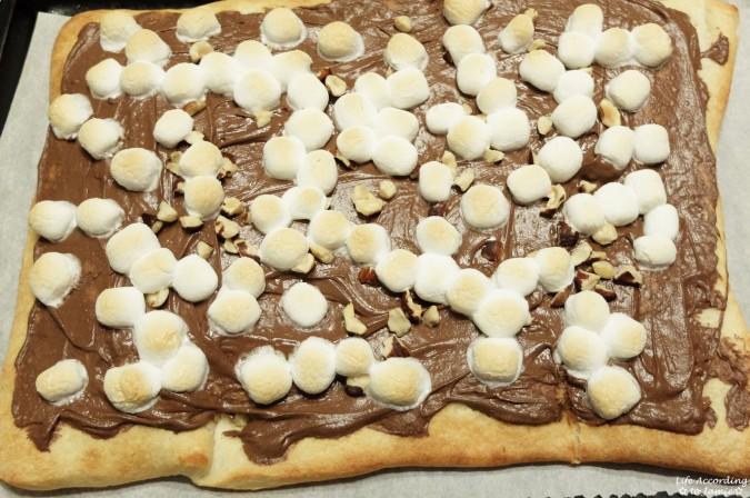 Nutella Dessert Pizza 4