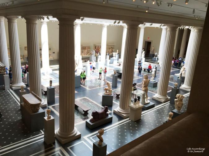 The Met - Statues 1