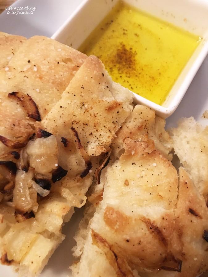 boulevard-seafood-bread