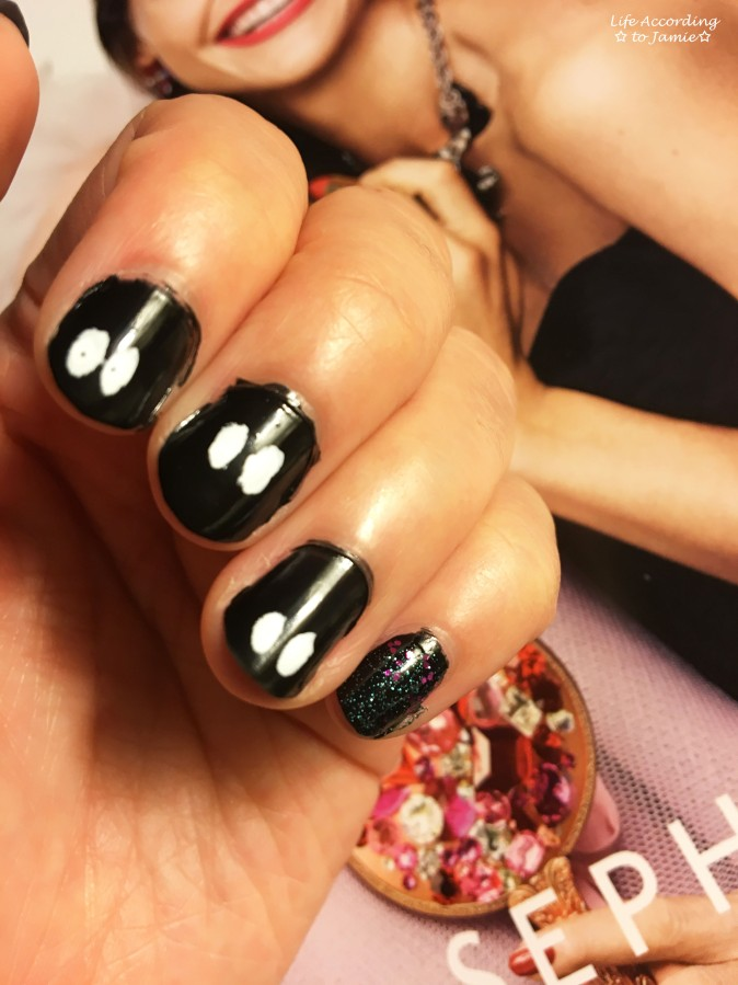 halloween-peek-a-boo-nails-1