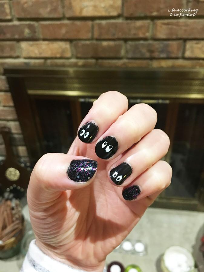 halloween-peek-a-boo-nails-3