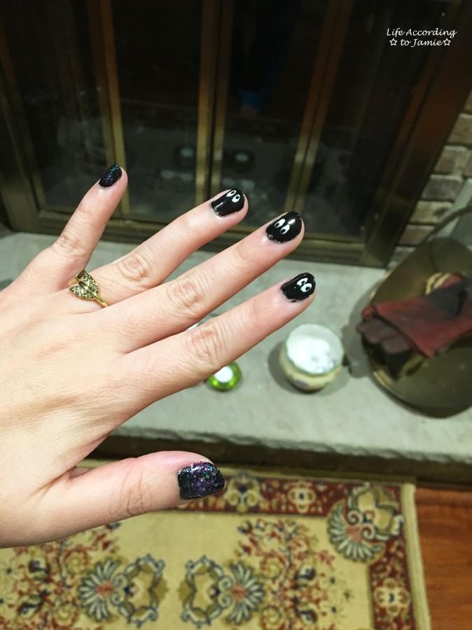 halloween-peek-a-boo-nails-4