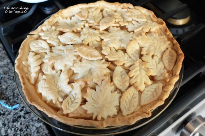 apple-pie-leaf-cutout-crust-3