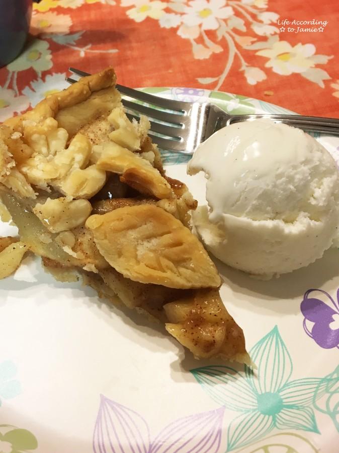 apple-pie-leaf-cutout-crust-9