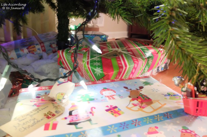 christmas-wrapping-gift-tag-1