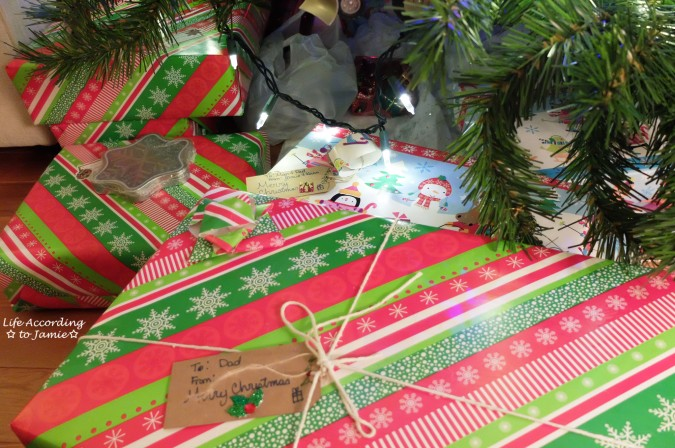 christmas-wrapping-gift-tag