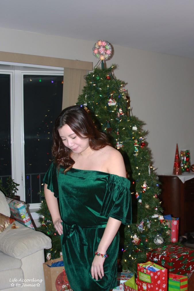 green-velvet-off-shoulder-dress-3