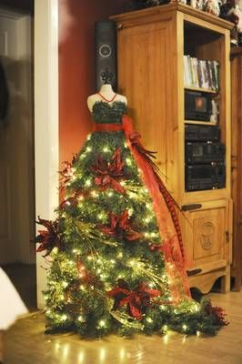 red-flowers-mannequin-christmas-tree-dress